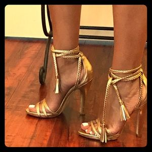 Sexy Rachel Zoe gold leather open toe heels